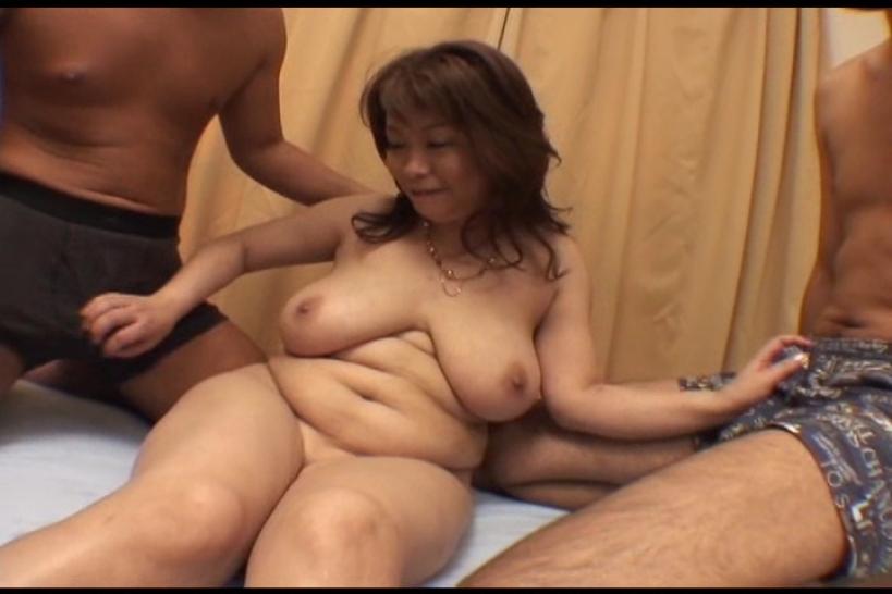 息子に揉まれた母 来杉弓香/人妻デリバリー 7/上杉佳代子 Mature Busty Asian